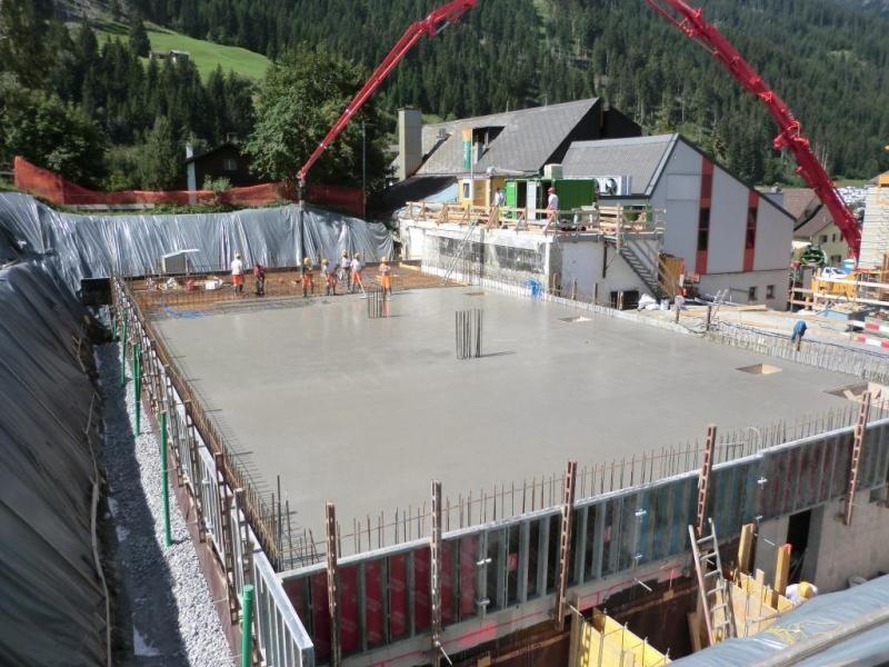 betondecke bild vom 100812 spachteln material